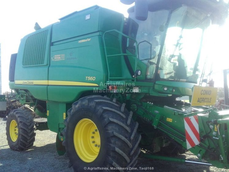 Moissonneuse batteuse JOHN DEERE T560HM