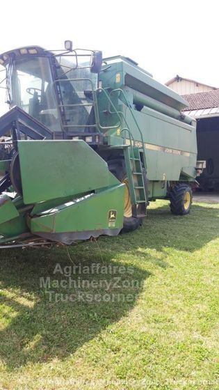 Moissonneuse batteuse JOHN DEERE 2056