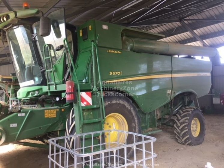 Moissonneuse batteuse JOHN DEERE S670 HM
