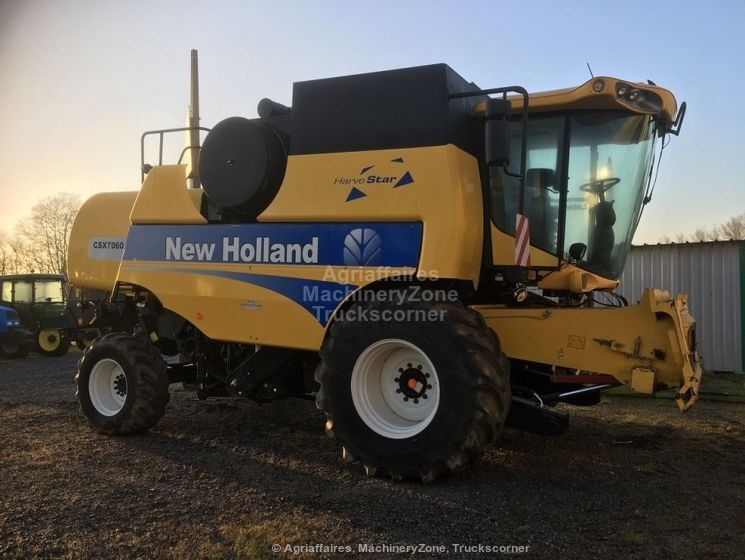 Moissonneuse batteuse NEW HOLLAND CSX 7060 LAT 4X